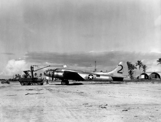 Boeing_B-17_drone_at_Eniwetok_1948